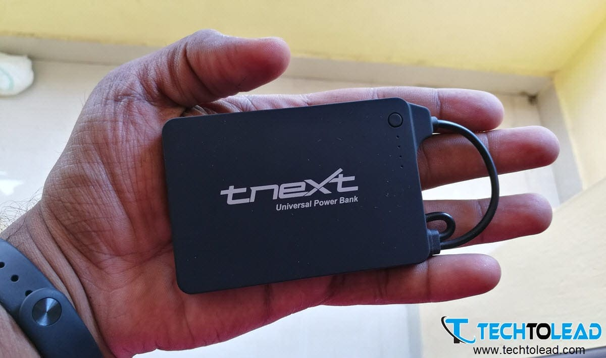 tnext-e4000s-universal-power-bank-with-dual-connectors-3